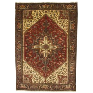Persian Heriz rug, with medallion