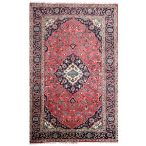 Persian Kashan Rug with central floral medallion and light pink colour